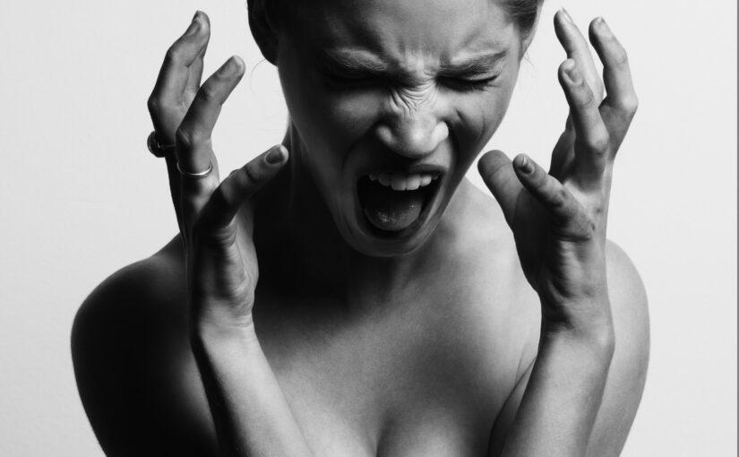illamående kräkningar huvudvärk